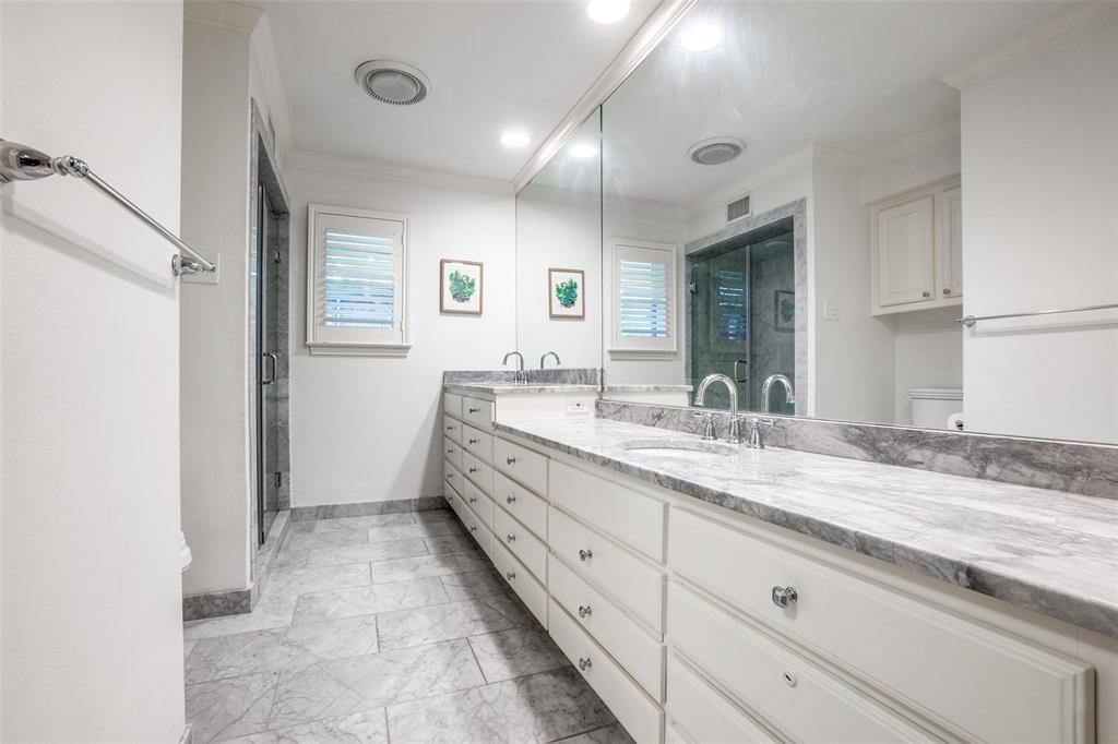 4240 Glenaire  Drive, Dallas, Texas 75229 - acquisto real estate best realtor dfw jody daley liberty high school realtor