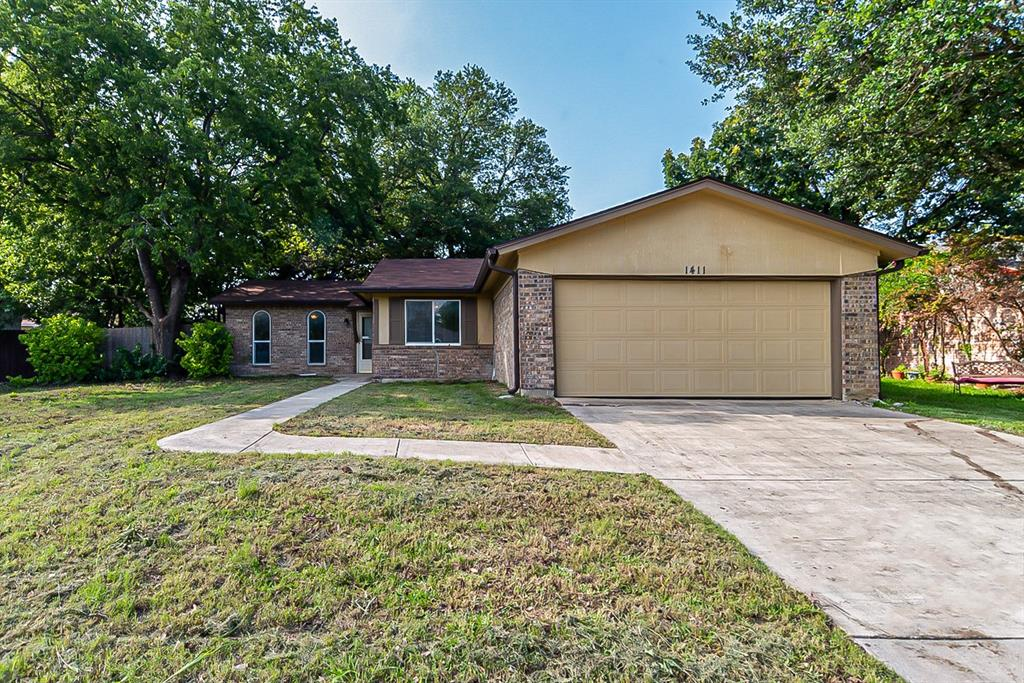 1411 Roanoke  Street, Arlington, Texas 76014 - Acquisto Real Estate best frisco realtor Amy Gasperini 1031 exchange expert
