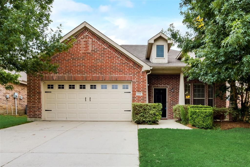 12520 Summerwood  Drive, Fort Worth, Texas 76028 - Acquisto Real Estate best plano realtor mike Shepherd home owners association expert