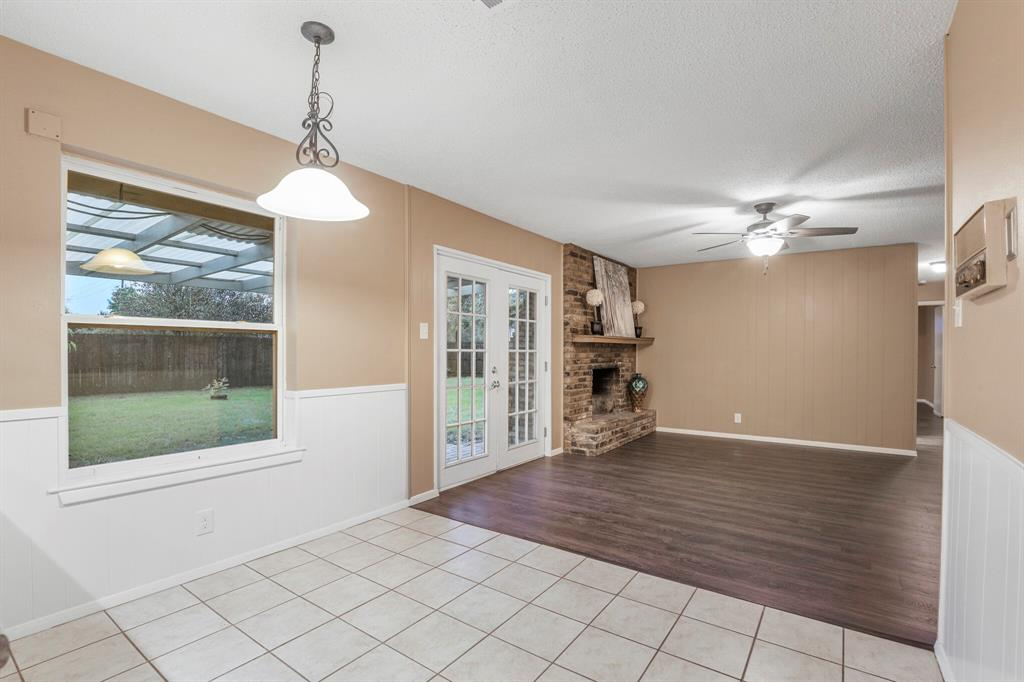 800 Prestwick  Street, Bedford, Texas 76022 - acquisto real estate best realtor dallas texas linda miller agent for cultural buyers