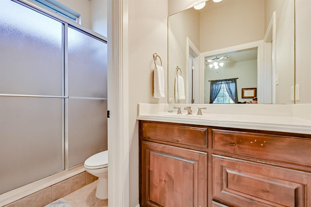 1040 Falcon Creek  Drive, Kennedale, Texas 76060 - acquisto real estate best plano real estate agent mike shepherd