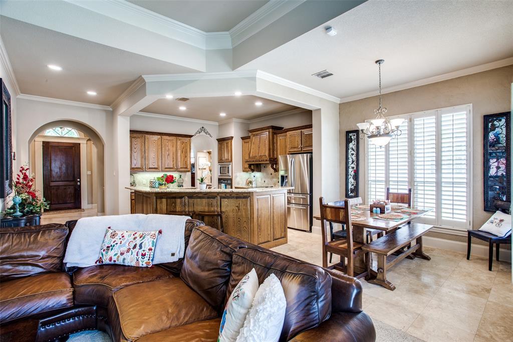 5902 St Ives  Court, Arlington, Texas 76017 - acquisto real estate best new home sales realtor linda miller executor real estate