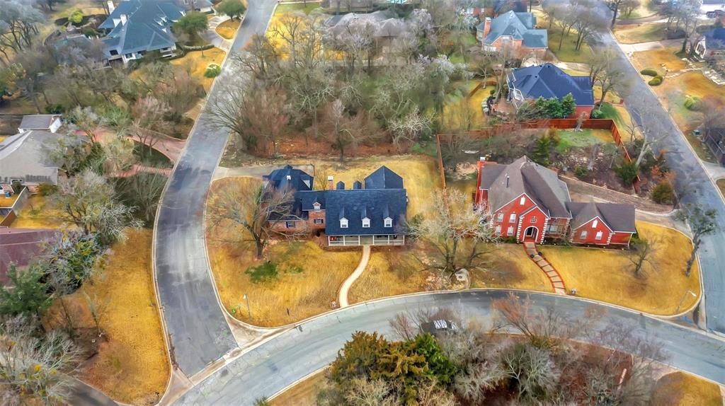 204 Laurel Creek  Drive, Sherman, Texas 75092 - acquisto real estate best plano real estate agent mike shepherd