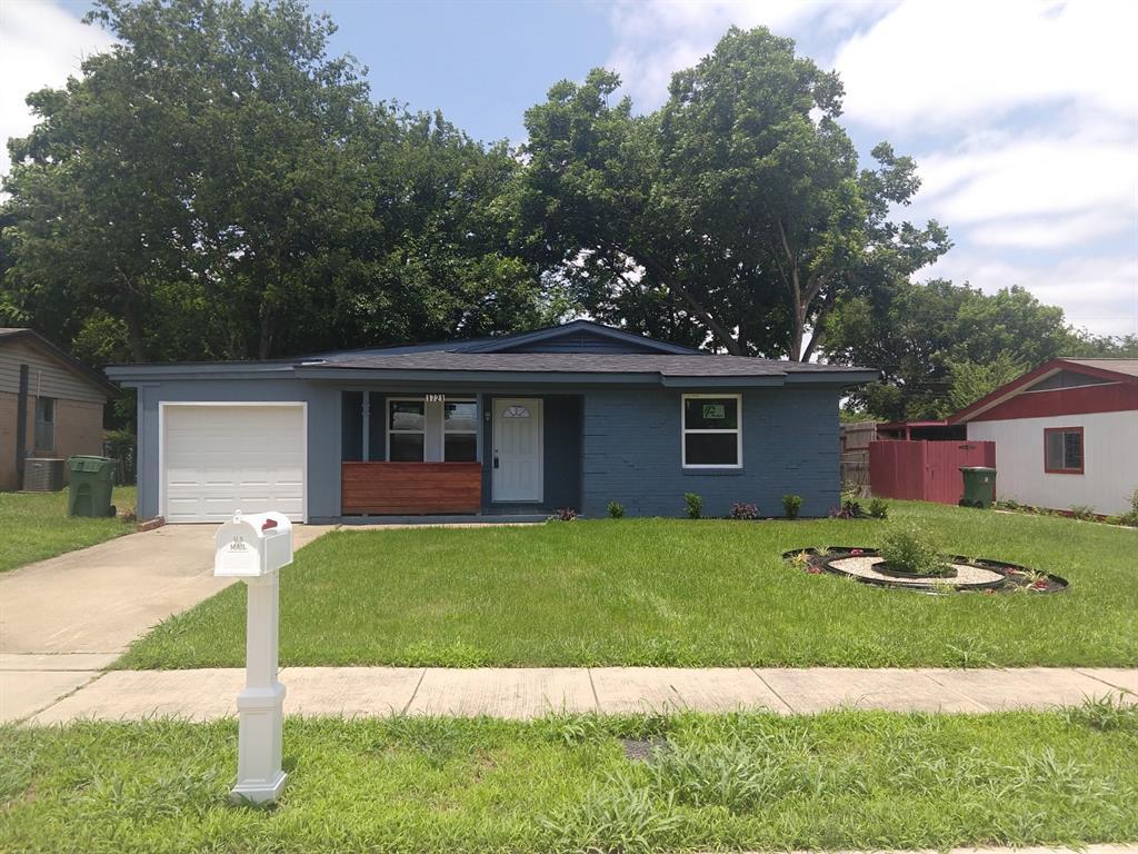 1721 Glynn Oaks  Drive, Arlington, Texas 76010 - Acquisto Real Estate best frisco realtor Amy Gasperini 1031 exchange expert