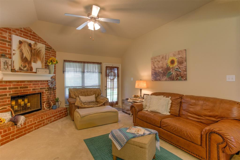 509 Kriston  Drive, Azle, Texas 76020 - acquisto real estate best real estate company to work for
