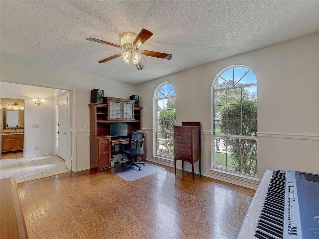 2121 Lansdown  Drive, Carrollton, Texas 75010 - acquisto real estate best investor home specialist mike shepherd relocation expert