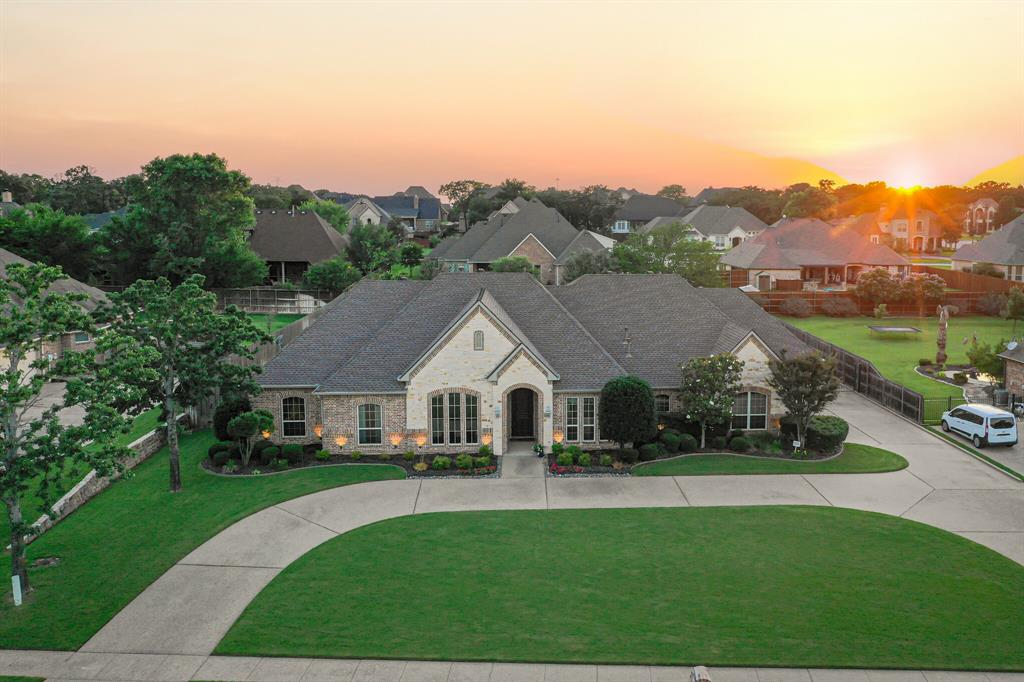 1040 Falcon Creek  Drive, Kennedale, Texas 76060 - Acquisto Real Estate best plano realtor mike Shepherd home owners association expert