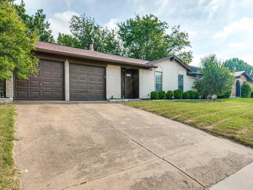 6321 Carousel  Drive, Watauga, Texas 76148 - Acquisto Real Estate best mckinney realtor hannah ewing stonebridge ranch expert