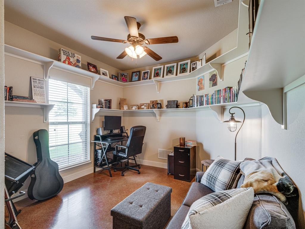 825 Broadhead  Road, Waxahachie, Texas 75165 - acquisto real estate best designer and realtor hannah ewing kind realtor
