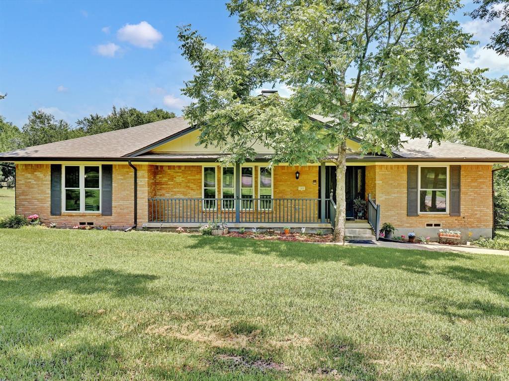 105 Cedar  Drive, Oak Leaf, Texas 75154 - Acquisto Real Estate best frisco realtor Amy Gasperini 1031 exchange expert
