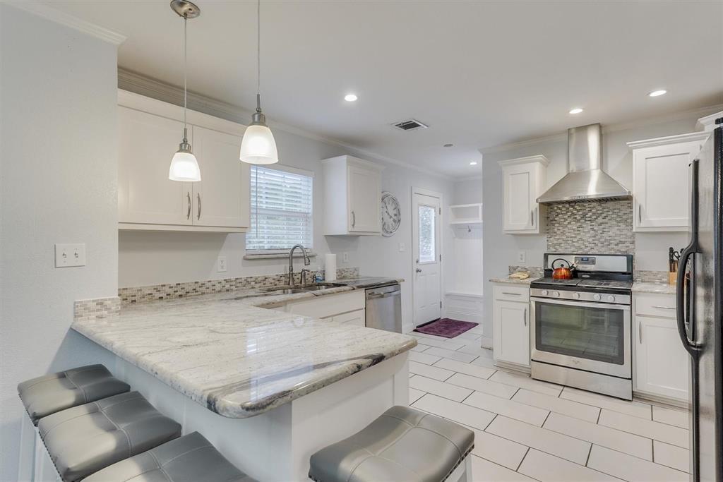 2423 Wentworth  Street, Dallas, Texas 75211 - acquisto real estate best listing listing agent in texas shana acquisto rich person realtor