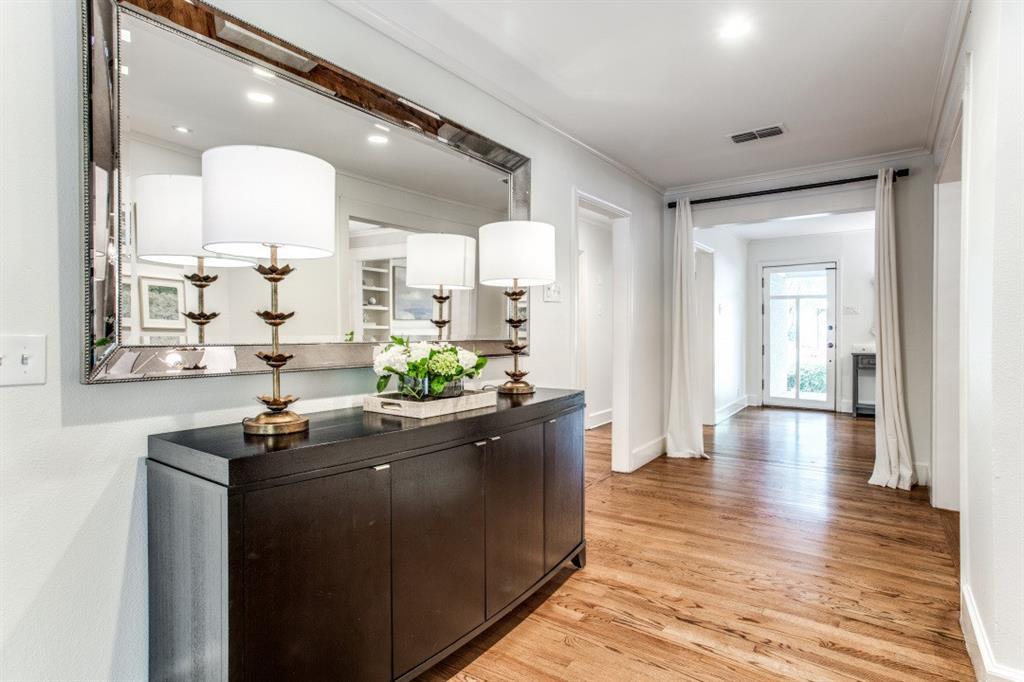 7107 La Vista  Drive, Dallas, Texas 75214 - acquisto real estate best celina realtor logan lawrence best dressed realtor