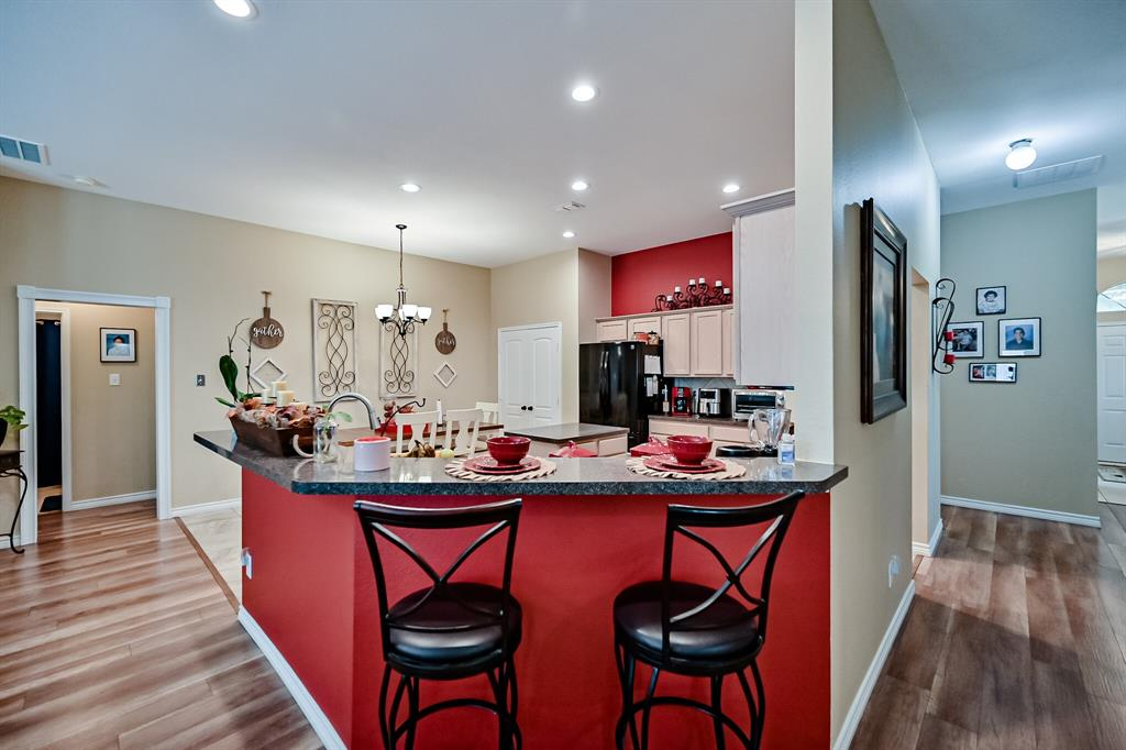 7002 Snowy Owl  Street, Arlington, Texas 76002 - acquisto real estate best realtor foreclosure real estate mike shepeherd walnut grove realtor