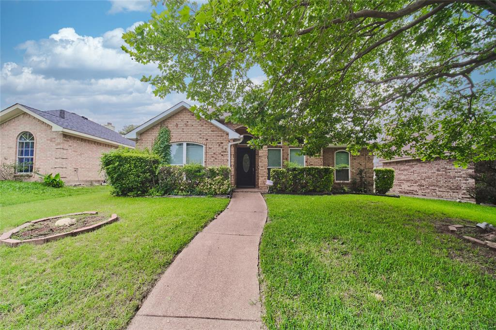 814 Springfield  Drive, Cedar Hill, Texas 75104 - acquisto real estate best investor home specialist mike shepherd relocation expert