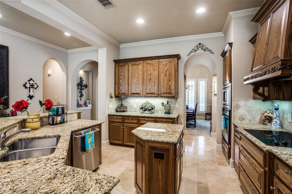 5902 St Ives  Court, Arlington, Texas 76017 - acquisto real estate best real estate company in frisco texas real estate showings