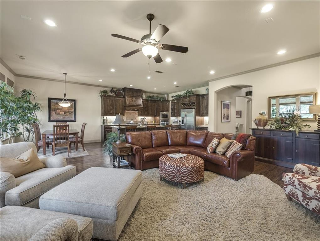 814 Winterwood  Court, Garland, Texas 75044 - acquisto real estate best the colony realtor linda miller the bridges real estate