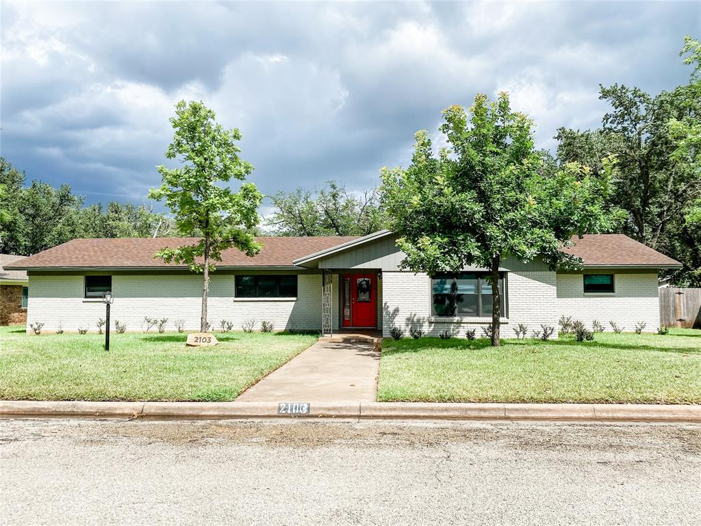 2103 High  Street, Brady, Texas 76825 - Acquisto Real Estate best plano realtor mike Shepherd home owners association expert