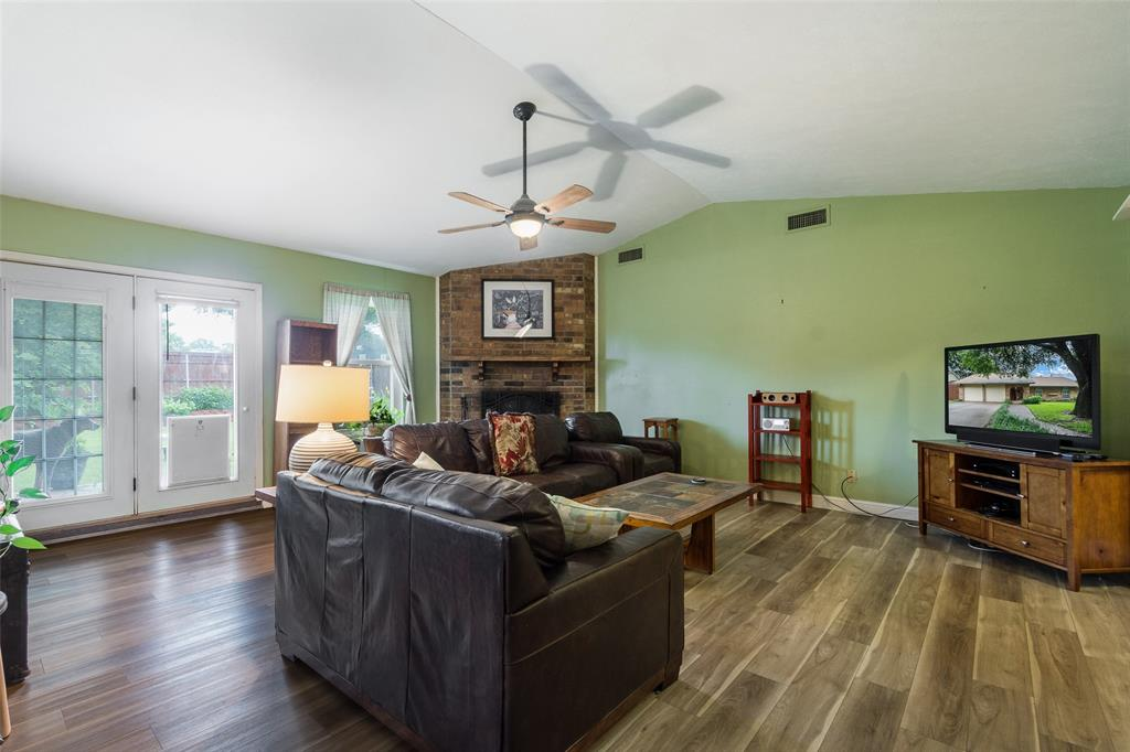 1102 Heiden  Court, Flower Mound, Texas 75028 - acquisto real estate best prosper realtor susan cancemi windfarms realtor