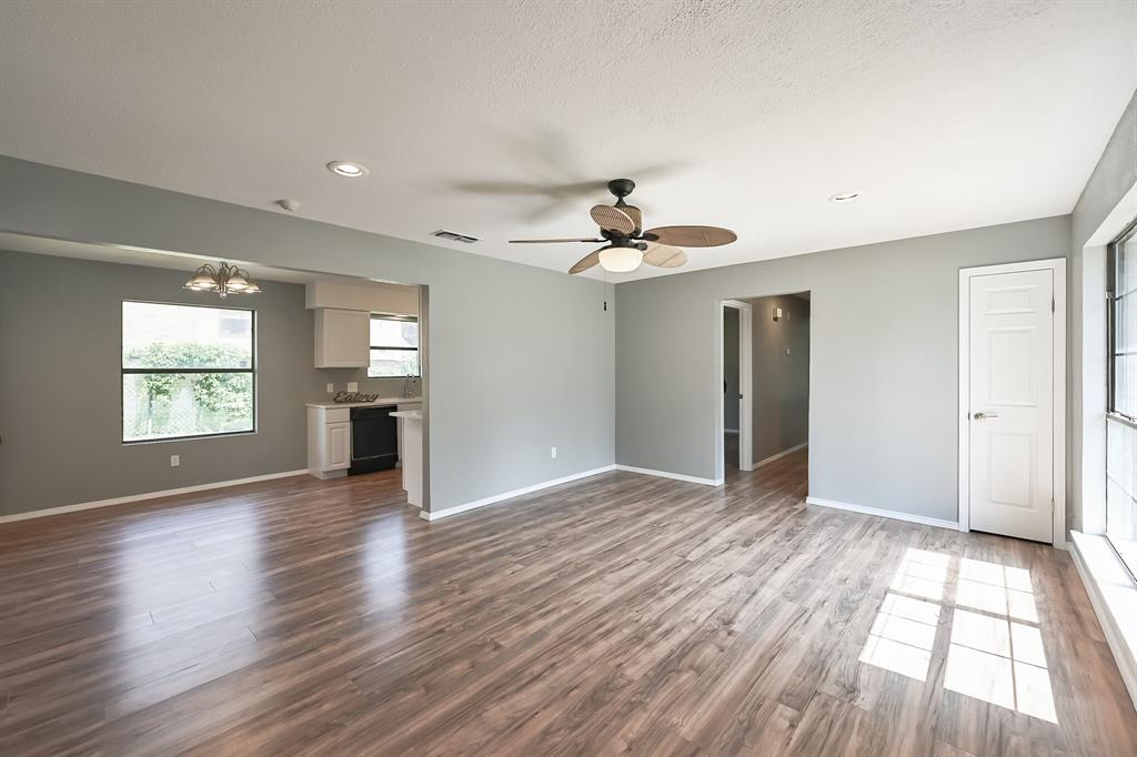 2401 Ben  Avenue, Fort Worth, Texas 76103 - acquisto real estate best real estate company in frisco texas real estate showings