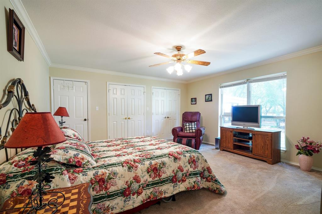 201 Chaparral  Drive, Granbury, Texas 76049 - acquisto real estate best realtor foreclosure real estate mike shepeherd walnut grove realtor