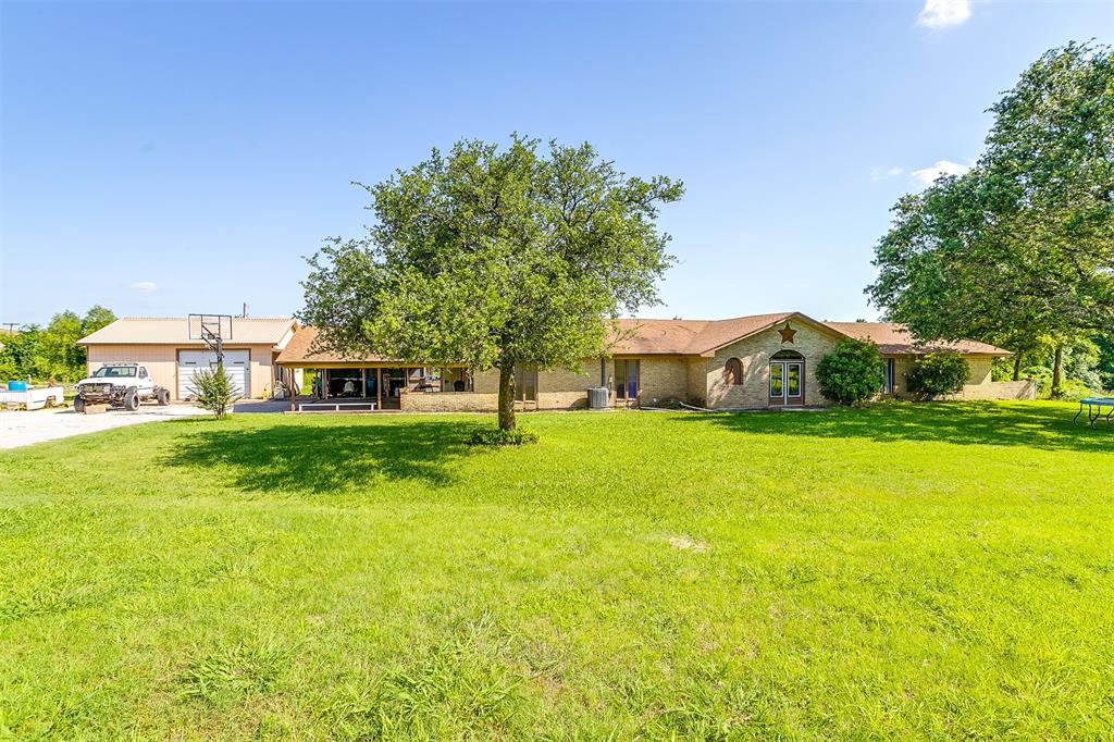 2553 Woodard  Avenue, Cleburne, Texas 76033 - acquisto real estate best listing agent in the nation shana acquisto estate realtor