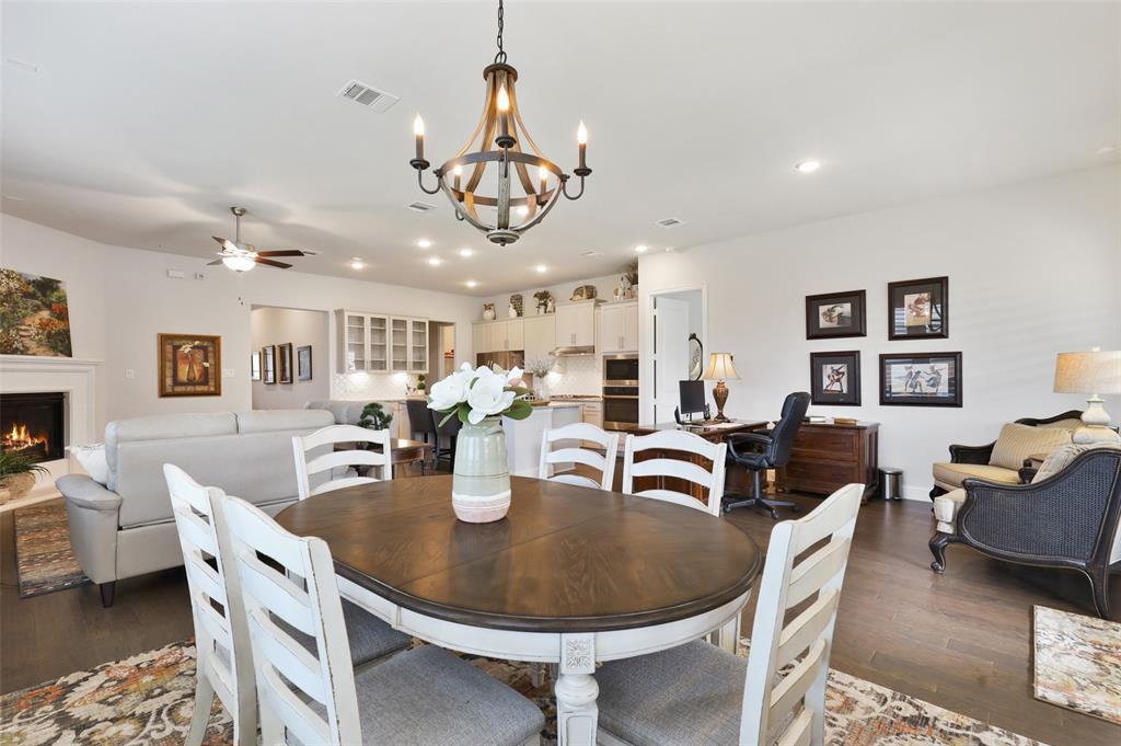 7624 Westgate  The Colony, Texas 75056 - acquisto real estate best new home sales realtor linda miller executor real estate