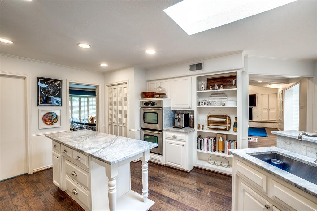 4240 Glenaire  Drive, Dallas, Texas 75229 - acquisto real estate best investor home specialist mike shepherd relocation expert