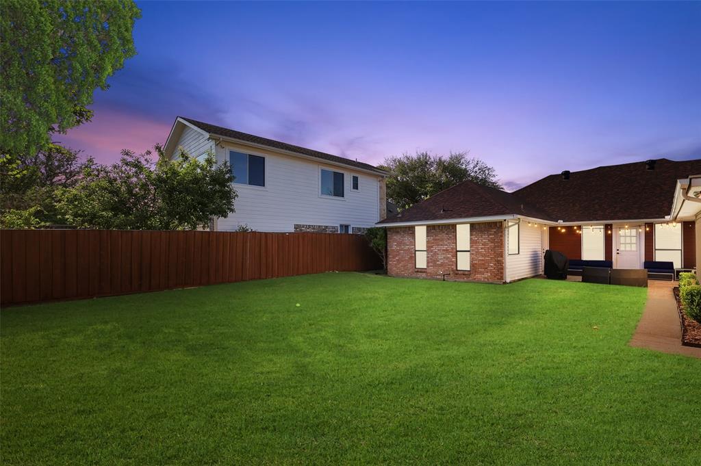 6304 Telluride  Lane, Dallas, Texas 75252 - acquisto real estate best realtor dfw jody daley liberty high school realtor