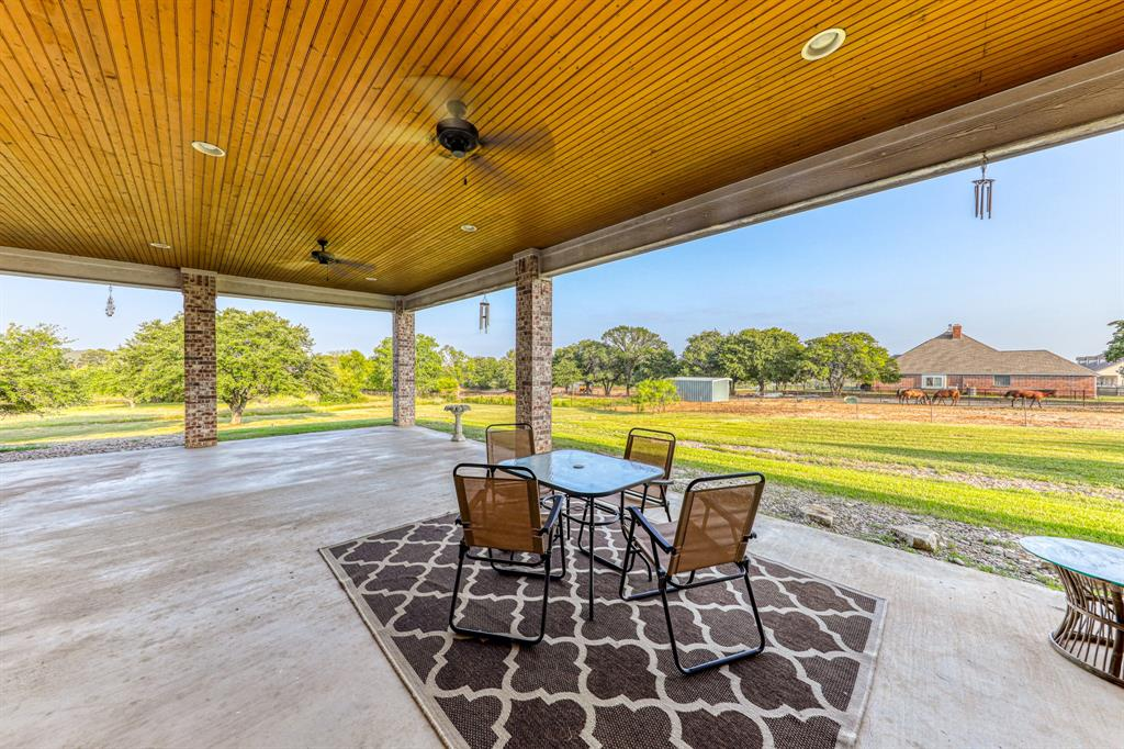 107 Chappel Hill  Court, Weatherford, Texas 76088 - acquisto real estate best frisco real estate broker in texas for high net worth buyers
