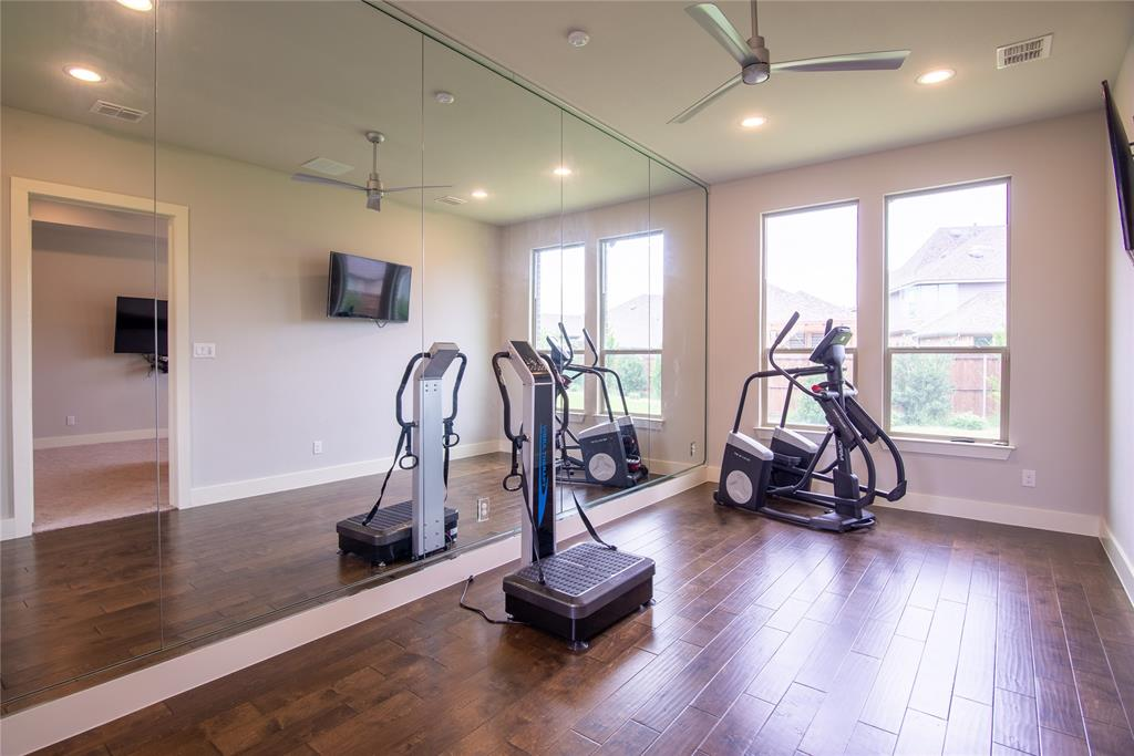 1317 Scarlet Oak  Drive, Arlington, Texas 76005 - acquisto real estate best realtor dfw jody daley liberty high school realtor
