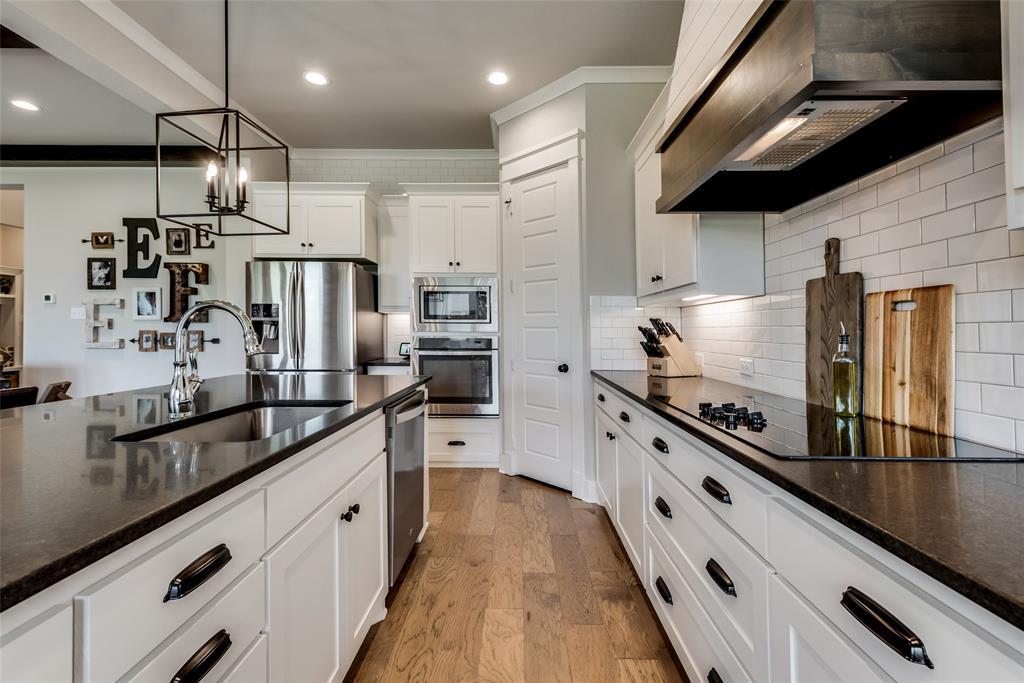 629 Rustic  Trail, Midlothian, Texas 76065 - acquisto real estate best designer and realtor hannah ewing kind realtor