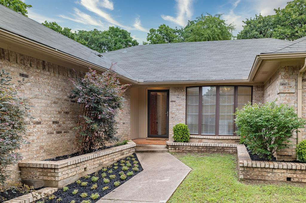 2834 Harvest Hill  Drive, Grapevine, Texas 76051 - acquisto real estate best allen realtor kim miller hunters creek expert