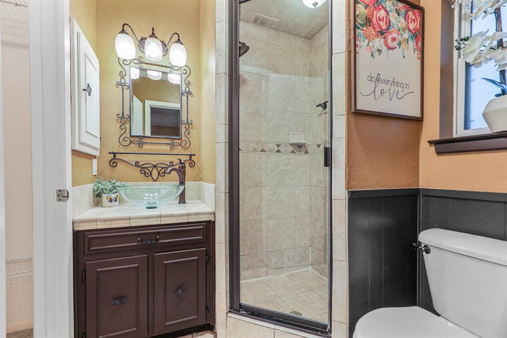 800 Prestwick  Street, Bedford, Texas 76022 - acquisto real estate best luxury buyers agent in texas shana acquisto inheritance realtor