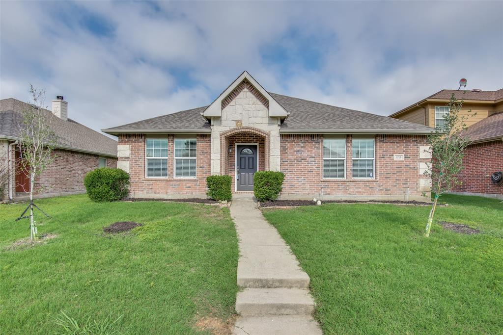 1715 Shawnee  Trail, Allen, Texas 75002 - Acquisto Real Estate best plano realtor mike Shepherd home owners association expert