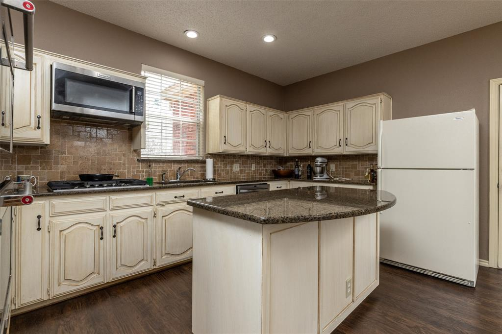 3104 Willow Creek  Way, Bedford, Texas 76021 - acquisto real estate best designer and realtor hannah ewing kind realtor