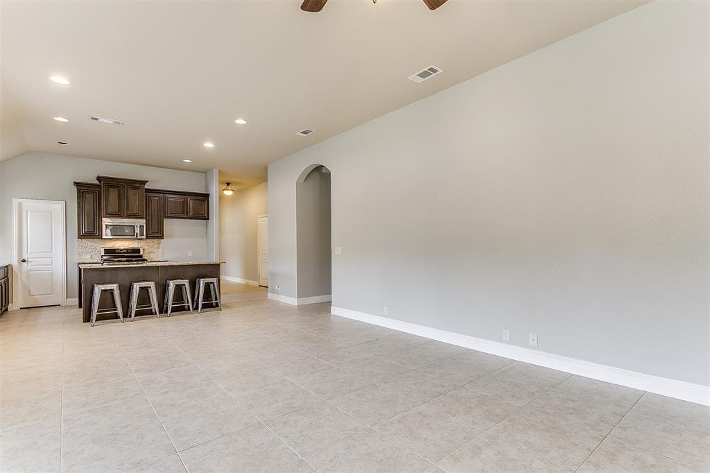 1000 Tarragon  Drive, Burleson, Texas 76028 - acquisto real estate best photos for luxury listings amy gasperini quick sale real estate