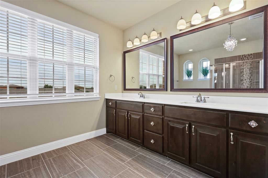 2670 Venice  Drive, Grand Prairie, Texas 75054 - acquisto real estate best frisco real estate broker in texas for high net worth buyers
