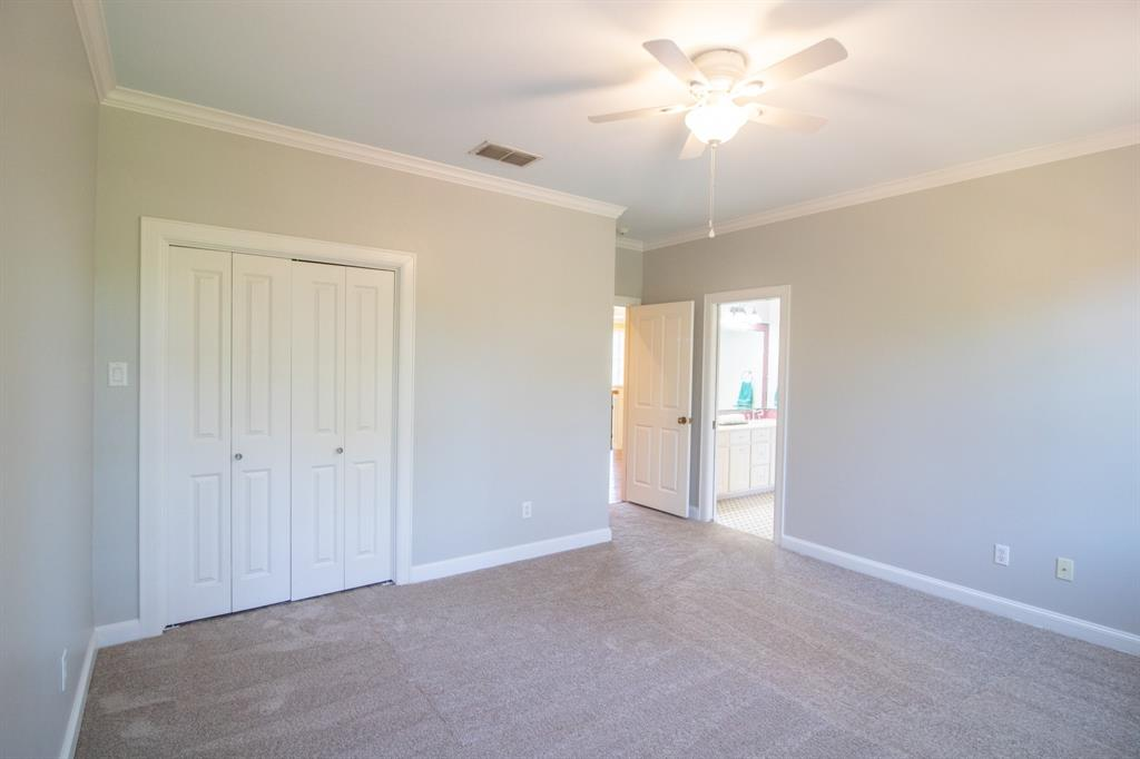 902 South  Street, Lindale, Texas 75771 - acquisto real estate best looking realtor in america shana acquisto