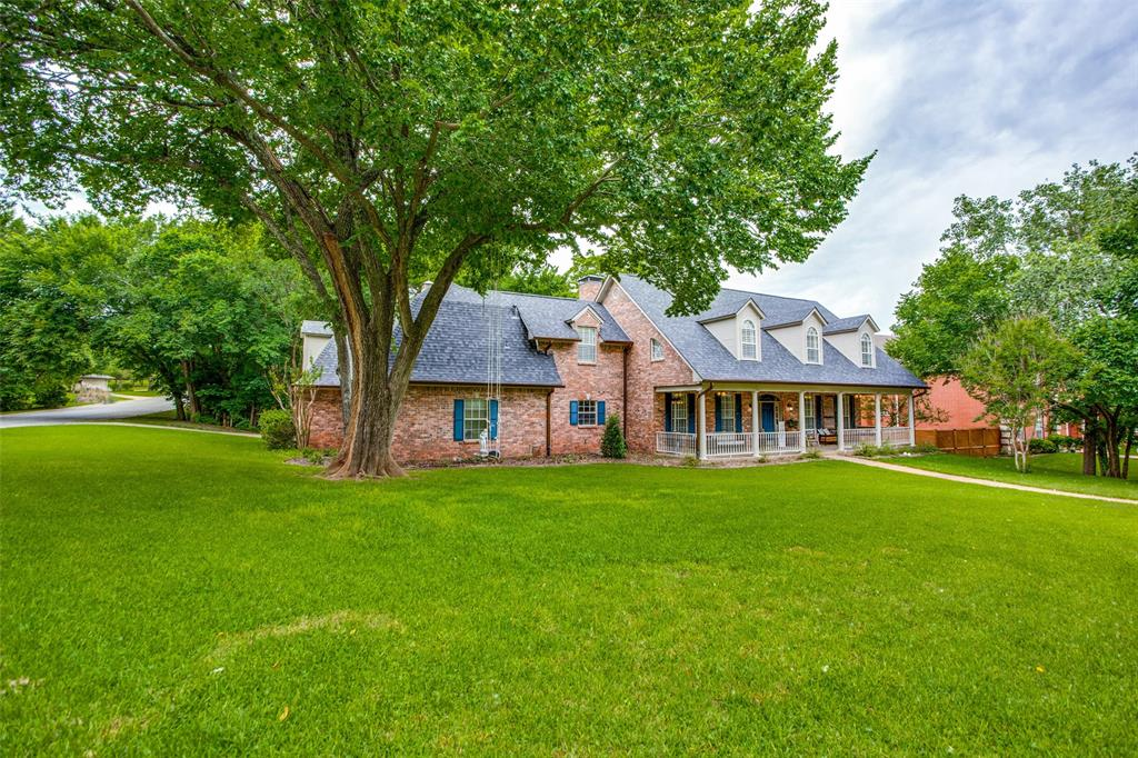 204 Laurel Creek  Drive, Sherman, Texas 75092 - Acquisto Real Estate best plano realtor mike Shepherd home owners association expert