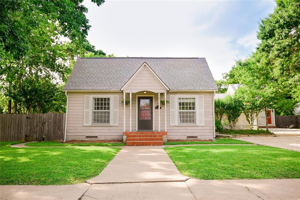 136 Umphress  Street, Van Alstyne, Texas 75495 - Acquisto Real Estate best mckinney realtor hannah ewing stonebridge ranch expert