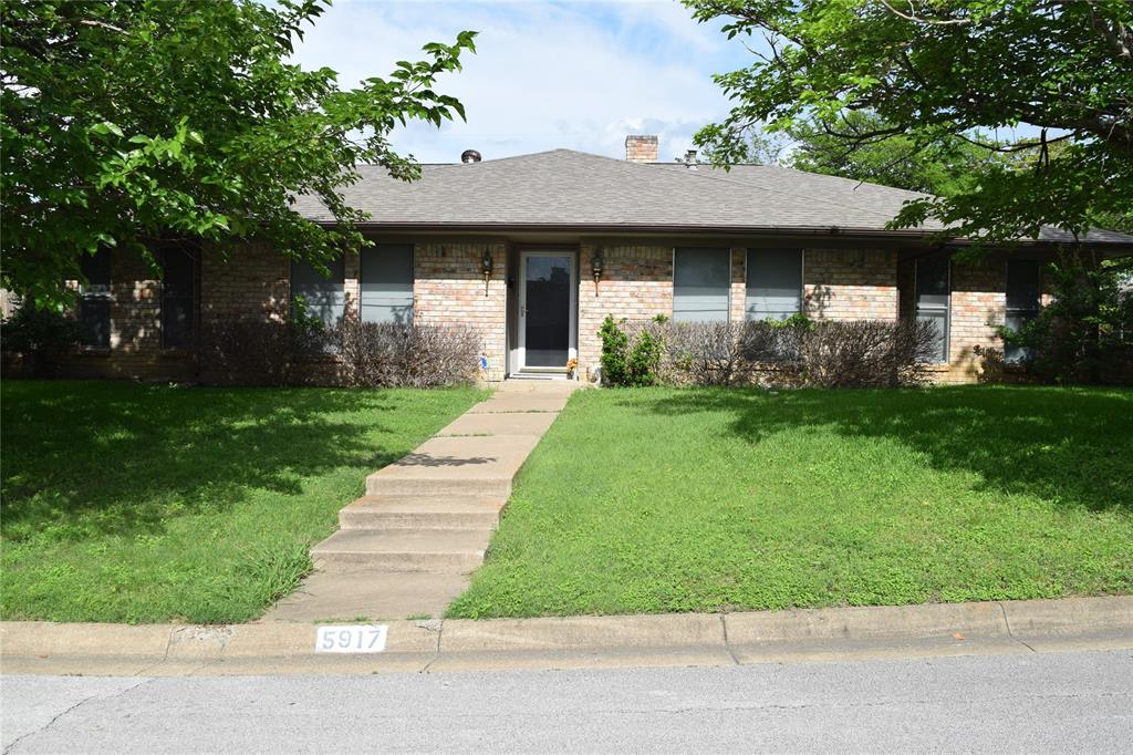 5917 Sycamore Creek  Road, Edgecliff Village, Texas 76134 - Acquisto Real Estate best plano realtor mike Shepherd home owners association expert