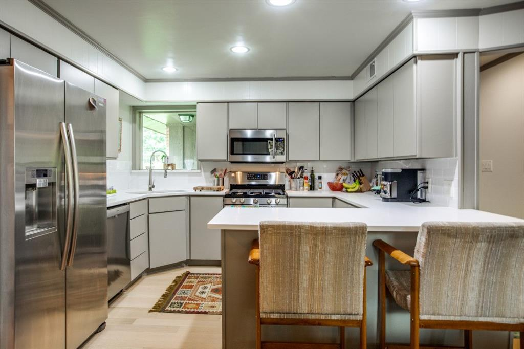 10033 Lake Highlands  Place, Dallas, Texas 75218 - acquisto real estate best highland park realtor amy gasperini fast real estate service