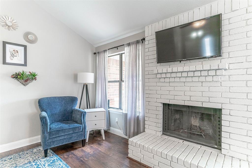 4205 Whitman  Lane, Grand Prairie, Texas 75052 - acquisto real estate best new home sales realtor linda miller executor real estate