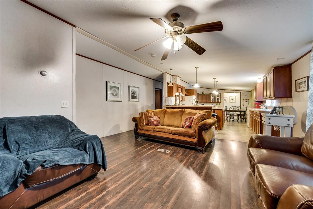 729 Briarwood  Court, Kemp, Texas 75143 - acquisto real estate best prosper realtor susan cancemi windfarms realtor