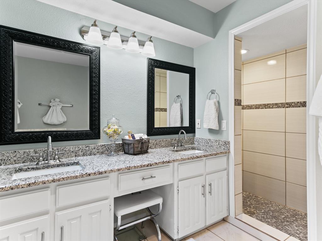 4509 Grey Dawn  Drive, Arlington, Texas 76017 - acquisto real estate best designer and realtor hannah ewing kind realtor