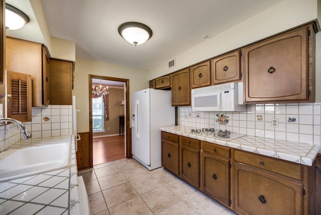 7760 El Pensador  Drive, Dallas, Texas 75248 - acquisto real estate best highland park realtor amy gasperini fast real estate service