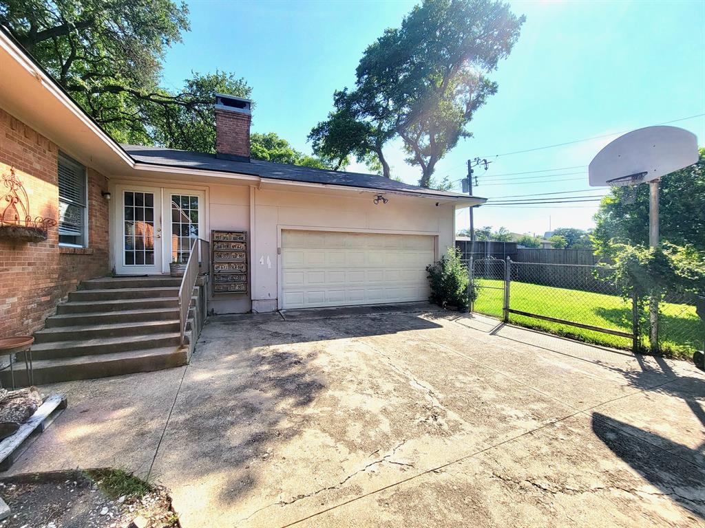 9030 Westbriar  Drive, Dallas, Texas 75228 - acquisto real estate best listing listing agent in texas shana acquisto rich person realtor