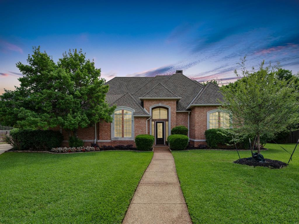 205 Madison  Square, Colleyville, Texas 76034 - Acquisto Real Estate best plano realtor mike Shepherd home owners association expert