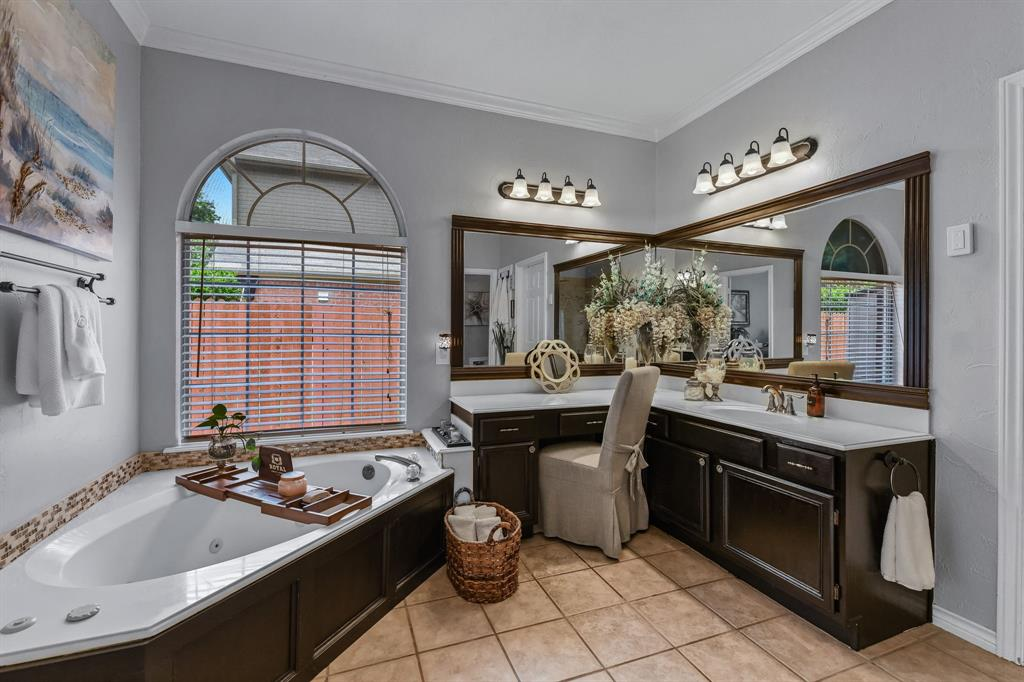 2729 Crepe Myrtle  Drive, Flower Mound, Texas 75028 - acquisto real estaet best boutique real estate firm in texas for high net worth sellers