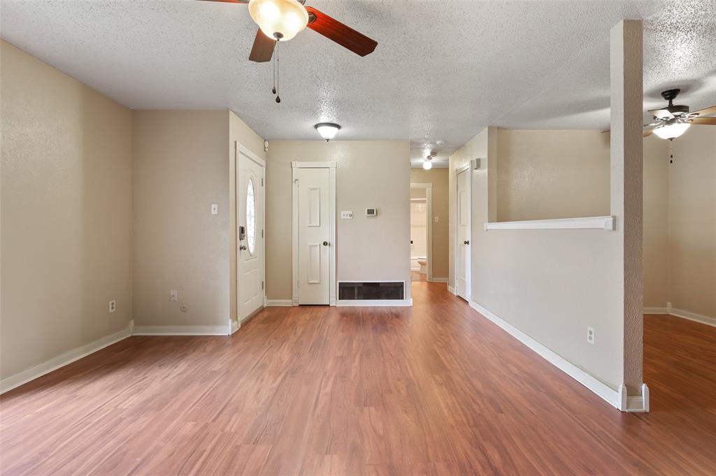 25 Mountain Creek  Court, Grand Prairie, Texas 75052 - acquisto real estate best celina realtor logan lawrence best dressed realtor